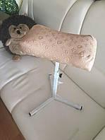 Тренога (подставка) для педикюра Louis Vuitton