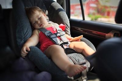 безопасное детское автокресло