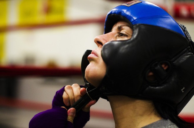 Шлемы боксерские и тренировочные