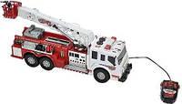 Пожарная машина с подъемным краном