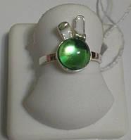 Кольцо из серебра с зеленым перламутром Зайчик, фото 1
