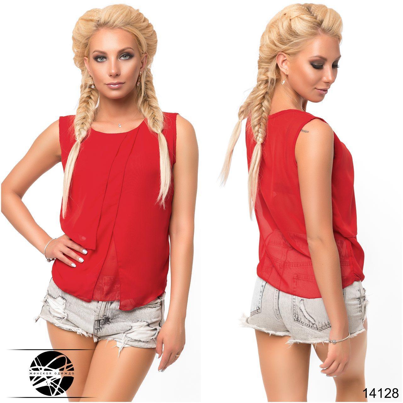 Стильная, легкая блузка прямого силуэта, спереди декорирована оригинальными вставками.