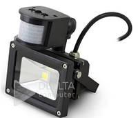 Прожектор LED с датчиком FL-10W-S, 10W 750 lm, 6400К холодный белый, уличный прожектор