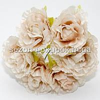 Роза  пышная d=3,5-4см  (цена за букет из 6 шт). Цвет - КРЕМОВЫЙ
