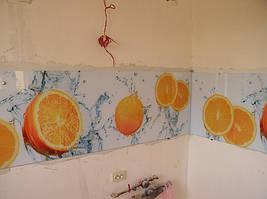 монтаж фартука на стену с помощью креплений