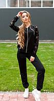 Черный костюм с кружевом на рукавах
