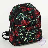 Оптом красивый рюкзак небольшого формата с розами - 114