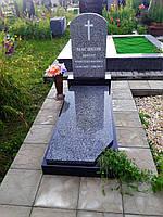 Одинарний пам`ятник габро зі стелою, тумбою, бордюрами