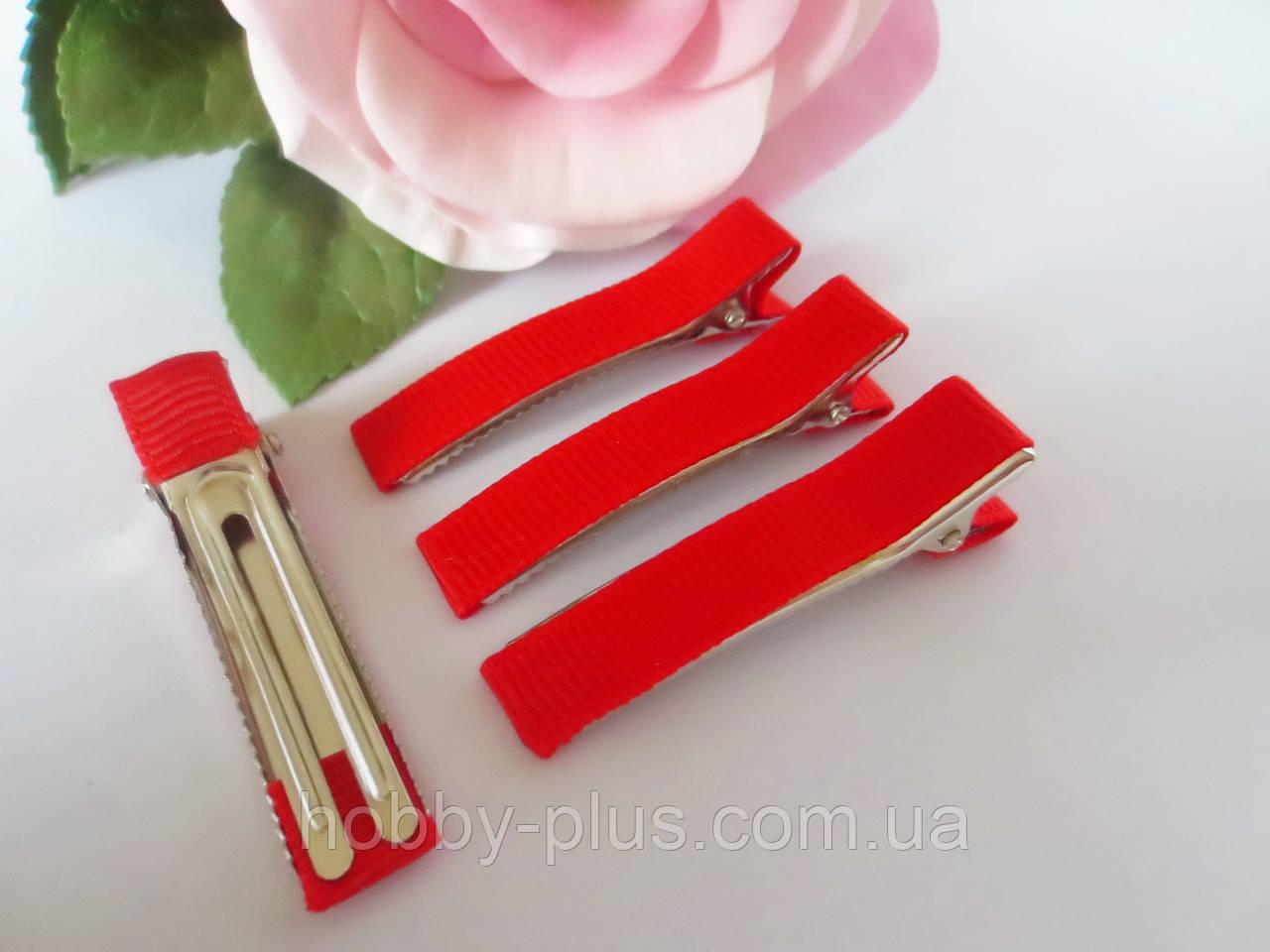 Металлическая заколка с репсовой лентой, 5 см., цвет красный
