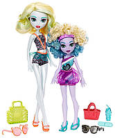 Monster High, семейная серия кукол Monster Family Лагуна Блю со своей младшей сестрой Келпи Блю