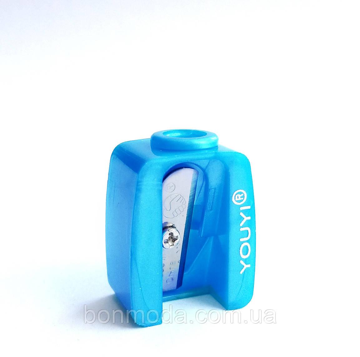 Точилка для косметических карандашей одинарная голубая
