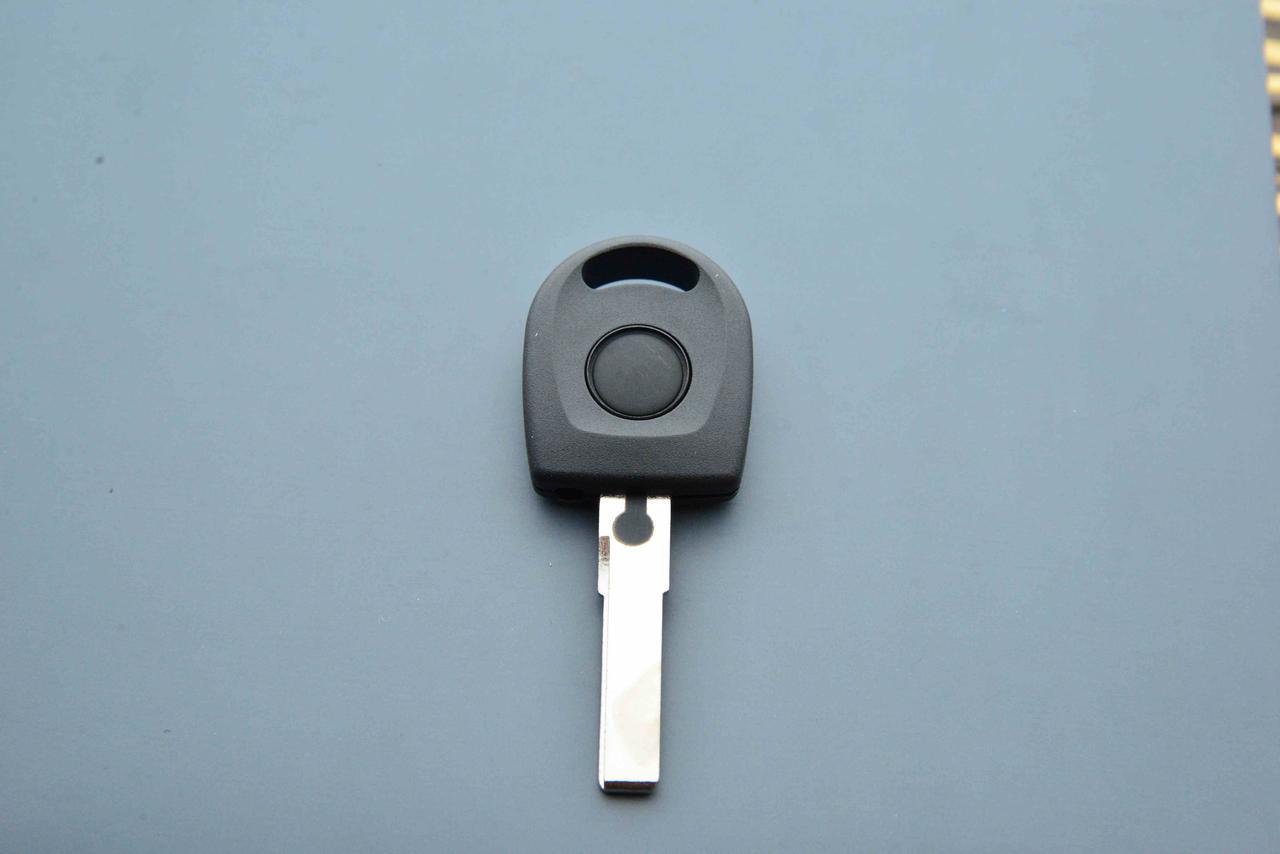 Корпус авто ключа под чип для Seat (Сеат) лезвие HU66