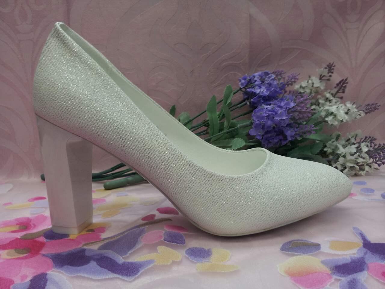 Туфли лодочки на высоком каблуке белый песок