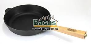 """Сковорода чавунна (сотейник) (d-24см, h-6см) з дерев'яною ручкою Brizoll """"Оптима"""" (О2460-Р)"""