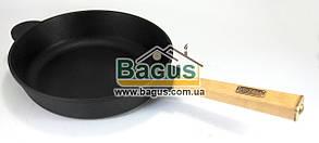 """Сковорода чавунна (сотейник) (d-26см, h-6см) з дерев'яною ручкою Brizoll """"Оптима"""" (О2660-Р)"""