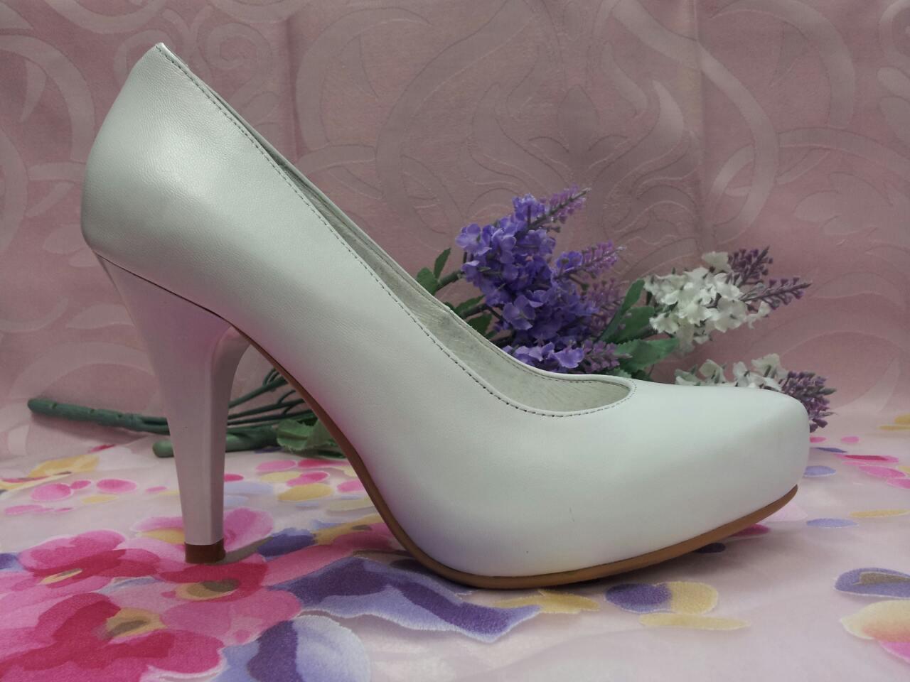 Туфли лодочки белые на высоком каблуке