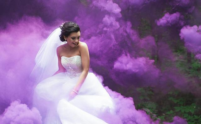 Фіолетовий кольоровий дим
