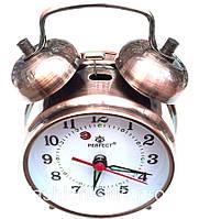 Часы механические, настольные с будильником.