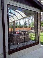 Прозрачные ПВХ шторы для веранды загородного дома