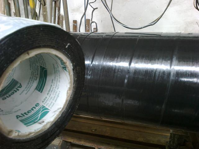 Изоляция труб дм.426мм лентой двухслойной полимерной Алтена