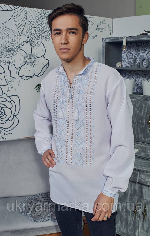 Вишиванка здавна вважається однією з самих оригінальних та яскравих  предметів чоловічого гардеробу. Вишиваючи орнаменти та візерунки на  вишиванці b2aa39300f042