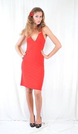 Стильное платье красное, с декольте, открытой спинкой и стразами. Акция!, фото 2