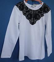 Блуза  белая  с черным кружевом