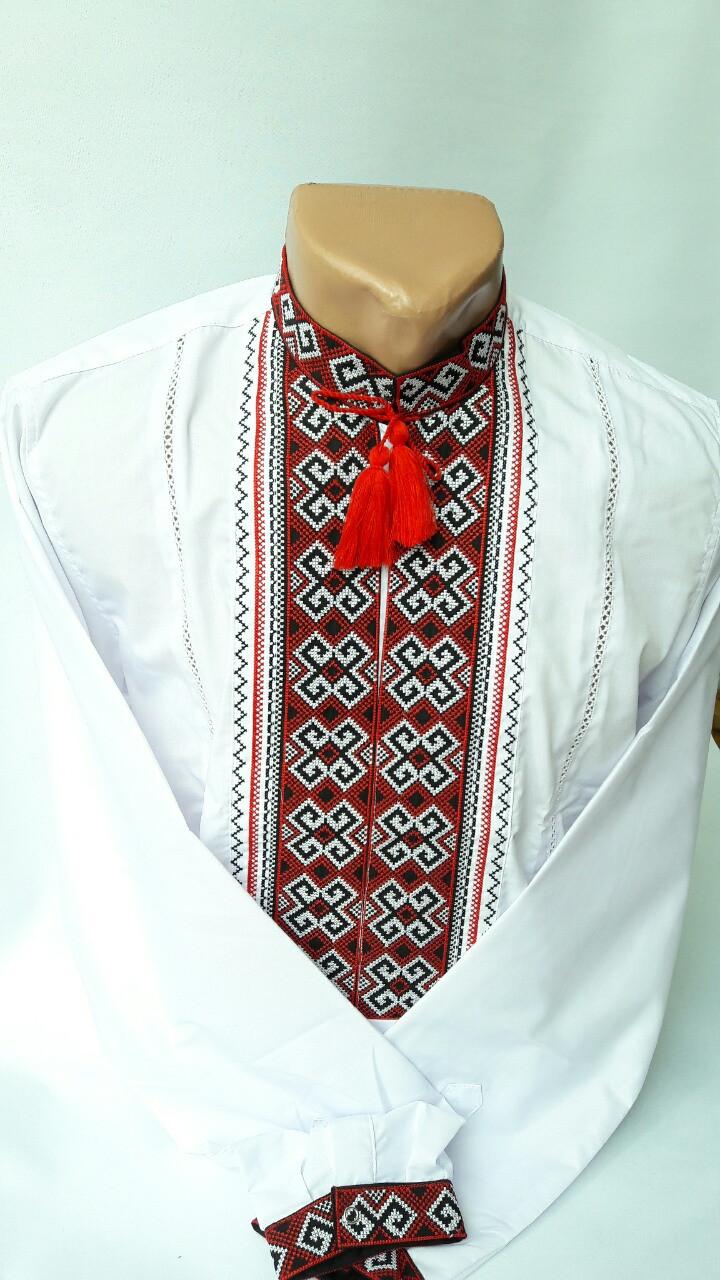 Интересная мужская вышитая рубашка из батиста