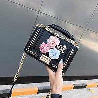 Женская сумочка в стиле Chanel с цветами черная