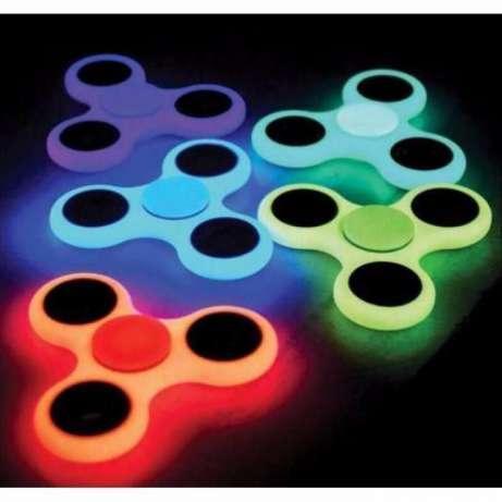 Спиннер фосфорный Fidget Spinner светонакопительный(светится в темноте )