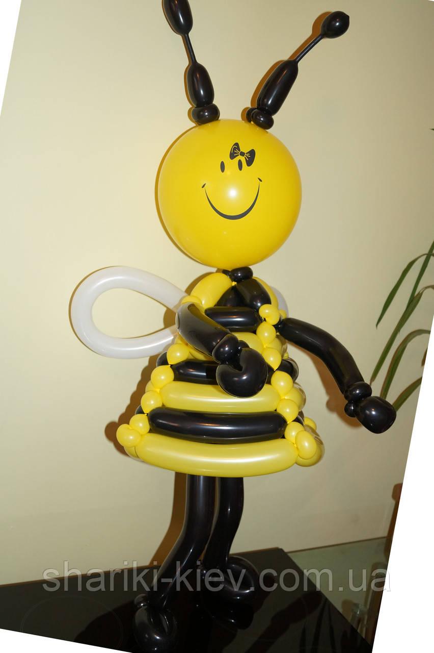 Пчелка куколка из шариков на День Рождения