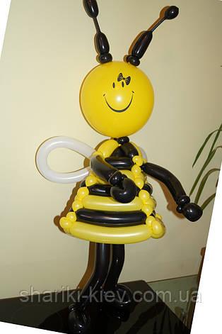 Пчелка куколка из шариков на День Рождения, фото 2