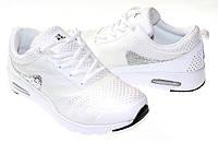 Женские кроссовки белого цвета от производителя с Польши