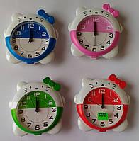 Настольные часы в форме котиков (4 цвета)