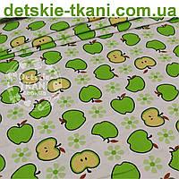 Ткань хлопковая польская с зелёными яблочками (№ 842а)