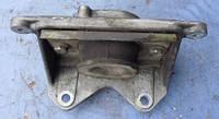 Кронштейн подушки МКПП RenaultMaster 2.5dCi1998-20108200260358