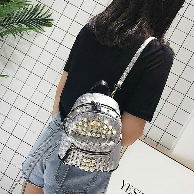 Гламурный рюкзак с шипами