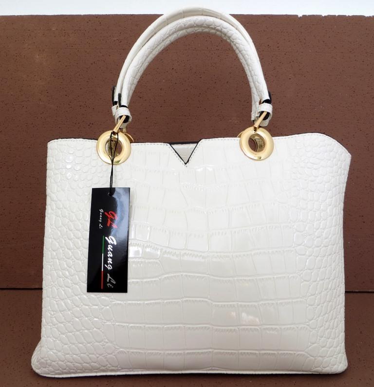 Лаковая вместительная женская сумка Эко-кожа Белая