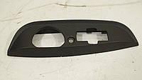 Накладка на крышку багажника (под замок) б/у Renault Laguna 2 8200003273, 8200376007