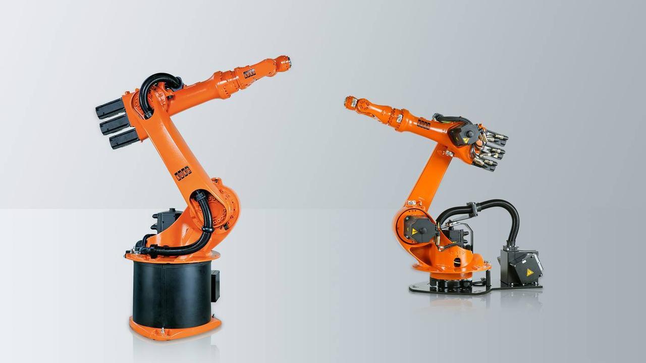 Маленький робот KUKA KR 6