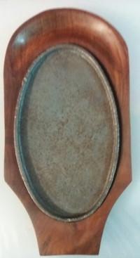 Сковорода чугунная на деревянной подставке EM6030 Empire, 333х220 мм