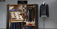 Paul & Shark - это технологичная одежда для активного отдыха. Яркие цвета и обилие трикотажа делают марку привлекательной для любителей стиля casual.