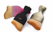 Кисть анатомической формы  Anmor для профессионального  макияжа