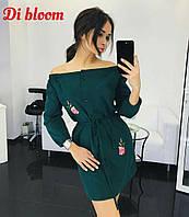 Платье-рубашка с открытыми плечами с вышивкой