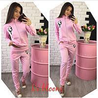 Трикотажный розовый спортивный костюм с нашивками