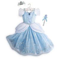 Карнавальный костюм ДеЛюкс: светящиеся платье Золушки, поющаятиара и светящаяся волшебная палочка,Disney