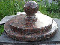 Крышка накрывная столба круглая из красного капустинского гранита № 1.