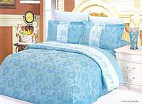 Нежное голубое постельное белье с вышивкой