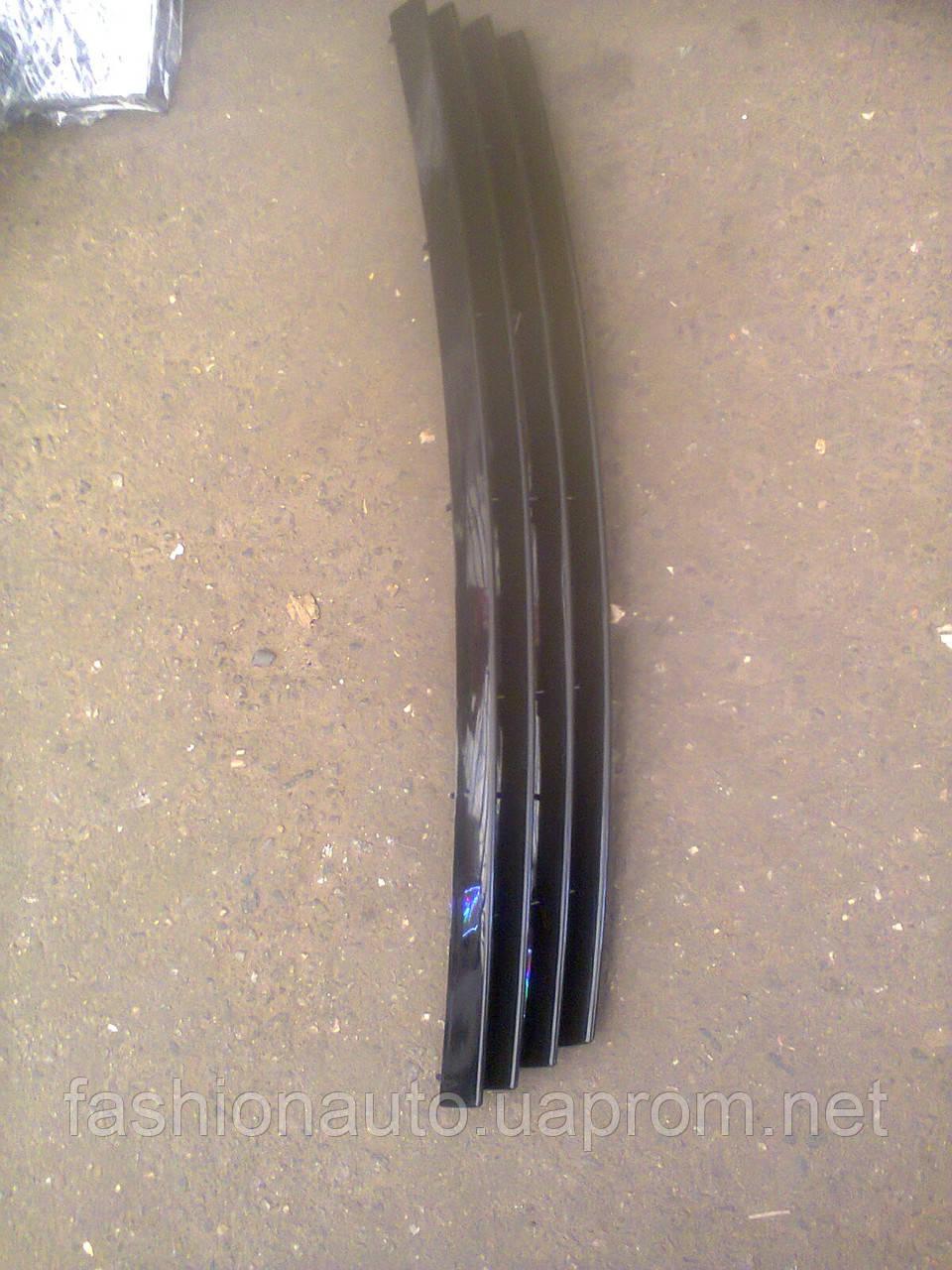 Решетка радиатора Приора 4 полосы ( черный лак)