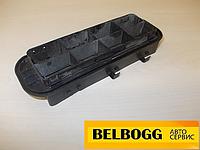 Решетка вентиляции багажника б/у Renault Clio , Рено Клио (хечбек)